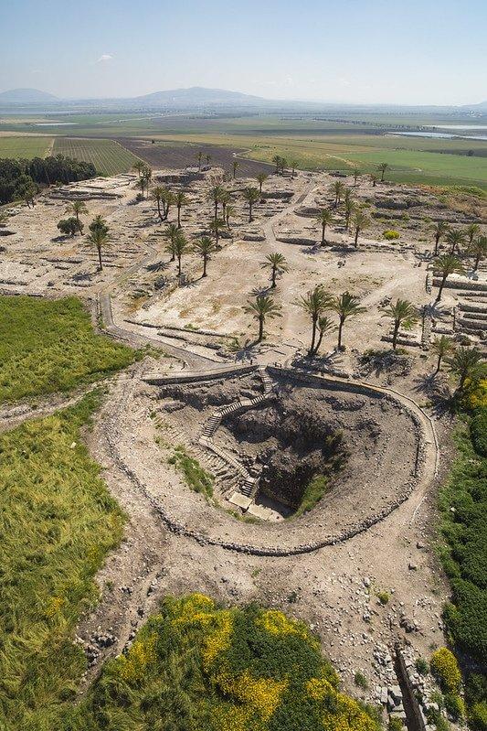jezreel valley - tel megiddo excavations